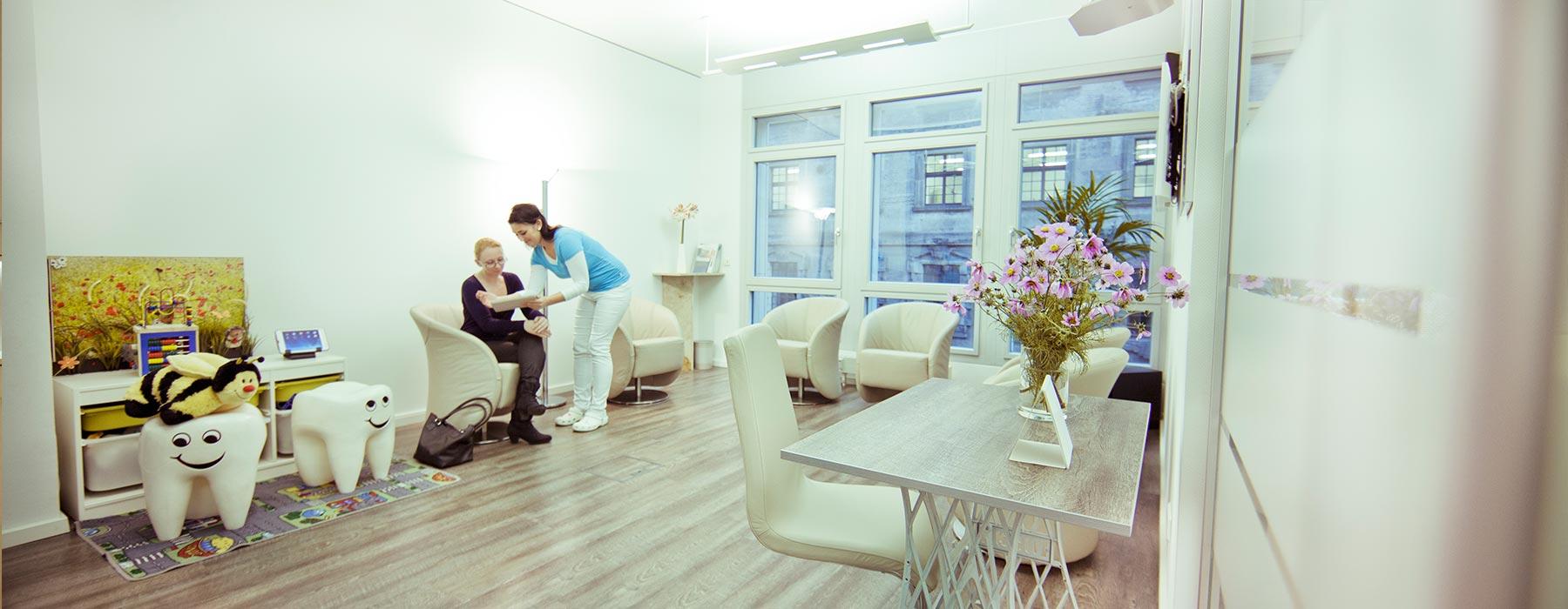Wartezimmer Praxis für Zahnärztliche Lasertherapie in Dresden
